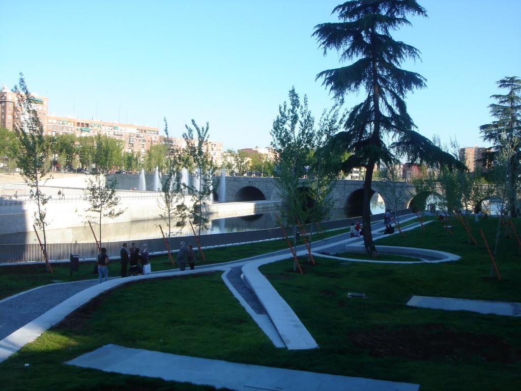 Jardines Las Vistillas In Madrid Gardens In Spain